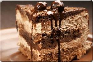کیک شکلاتی رژیمی با خرما و گردو