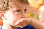 کودک شما هم همه چیز را پرت می کند؟