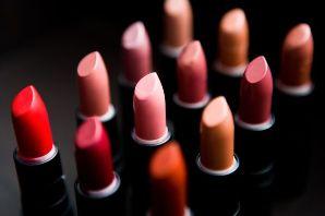 کدام رنگ رژ لب مناسب لب های شماست؟