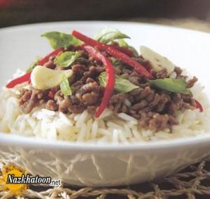 برنج سرخ شده با نارگیل و بیف تایلندی