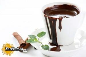 تهیه شکلات داغ برای روزهای سرد