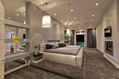 luxury-bedroom-design-with-off-white-and-creamy-color-theme