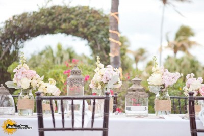 outdoor-spring-wedding-ideas-romantic-wedding-themes-outdoor-wedding-pastels-spring-summer-reception-tablescape.original