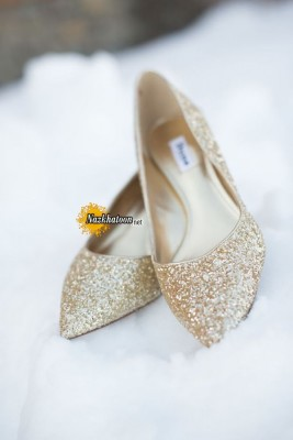 glitter-gold-wedding-shoes-for-snowy-winter-wedding