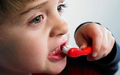زمان مراقبت از دندانهای کودکان
