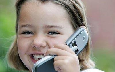 زمان مناسب خرید موبایل برای کودک
