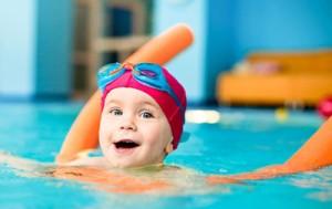 سن مناسب کودک برای کلاس شنا