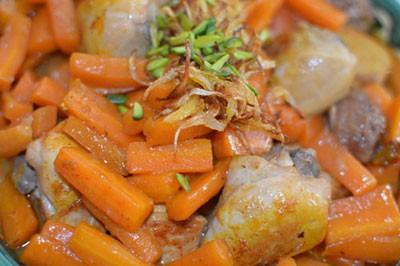 روش تهیه خورش هویج و پسته