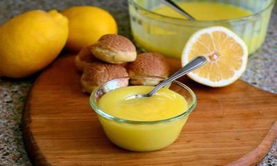 روش تهیه دسر زرده تخم مرغ با شربت میوه