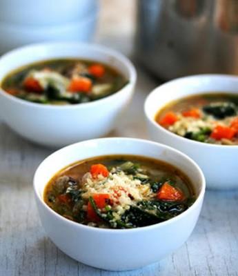 روش تهیه سوپ اسفناج و پاستا