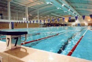 توصیه های زنانه برای شنا در استخر