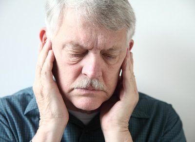 خمیازه کشیدن و گوش درد