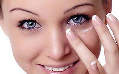 با چند روش ساده سیاهی دور چشم را از بین ببرید
