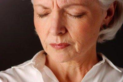 چرا زنان دو برابر مردان دچار آلزایمر می شوند؟