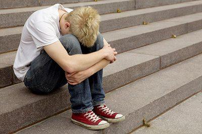 جدی گرفتن گوشهگیری نوجوانان