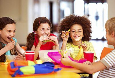 اهمیت دادن به تغذیه دانش آموزان در مدرسه
