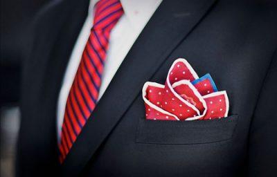 نکاتی  برای خرید کراوات و دستمال جیب برای آقایان